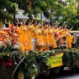 Hulahula Show in den Straßen Honolulus