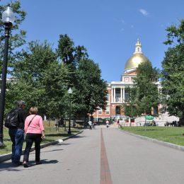 Boston Freedom Trail - die rote Bodenmarkierung, die zu den Sehenswürdigkeiten führt