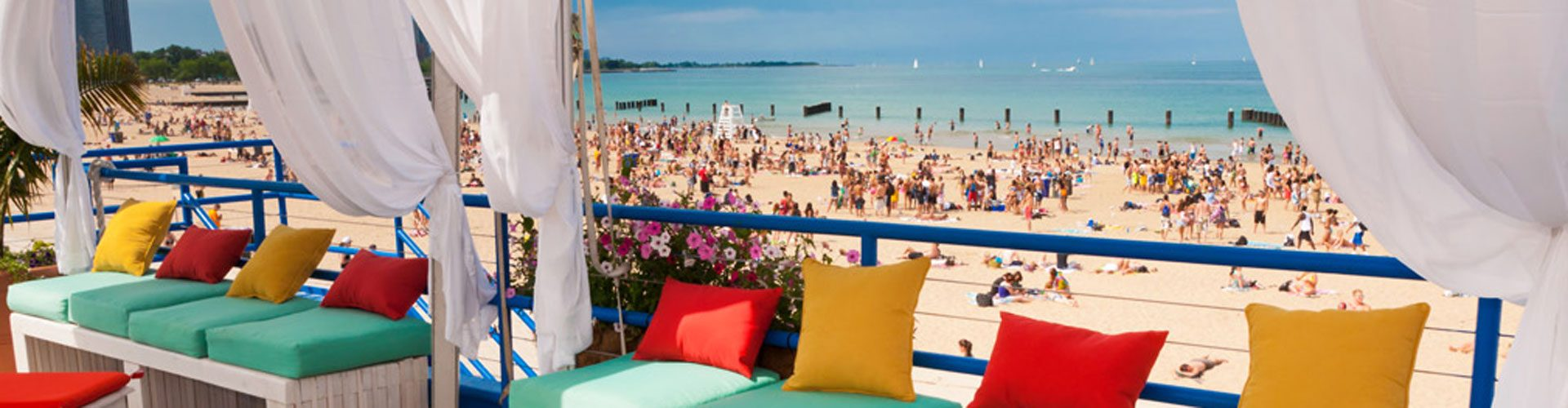 Restaurant Castaway, North Avenue Beach, direkt am Strand des Lake Michigan, Chicago