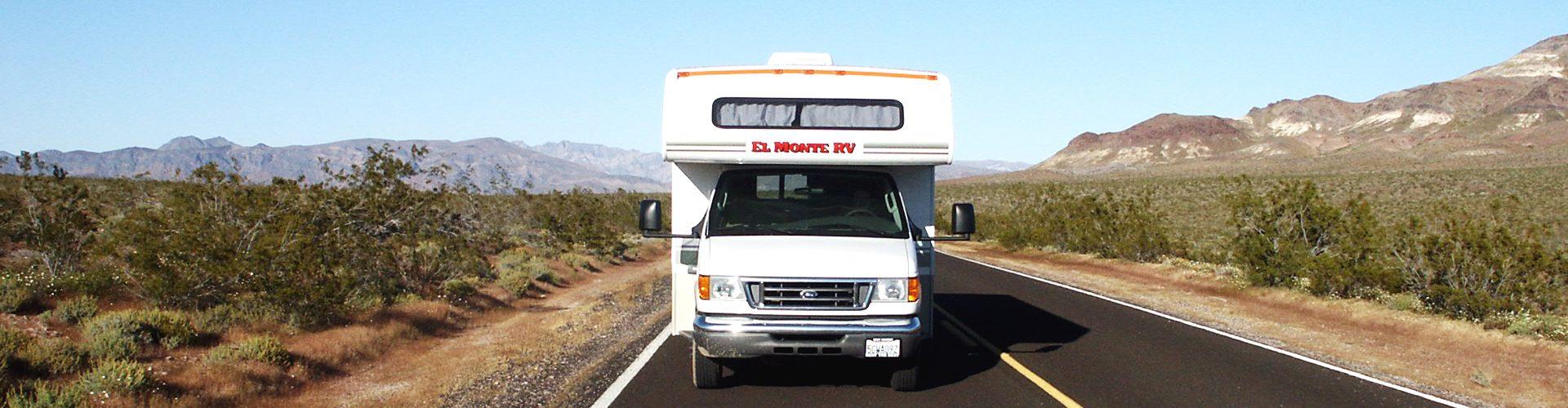 Fahrt mit dem El Monte Wohnmbil durch das Death Valley